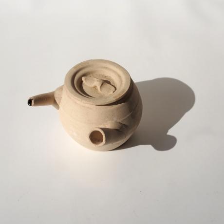 medicine pot